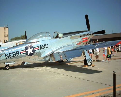 Click to view full size image  ==============  Offutt Air Show '04 NE Air Guard P-51(2)